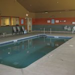 Darlington, Super 8, Pool