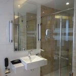 glass panelled bath