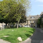 A corner of the Stow-on-the-Wold town square. A nice place to sit and relax.
