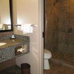 BEST WESTERN PLUS Kootenai River Inn: bathroom