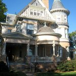 Grand Anne Bed & Breakfast