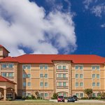 ภาพถ่ายของ La Quinta Inn & Suites Allen at The Village