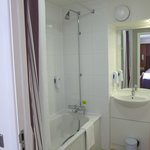 Photo de Premier Inn London Kensington - Olympia