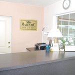Foto Majestic Inn & Suites