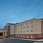 Foto de Holiday Inn Express Hotel & Suites Greensboro - Airport Area