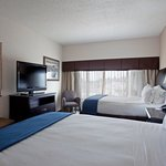 Holiday Inn Express guestroom near Fayetteville Botanical Gardens