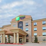 Beautiful new hotel in beautiful Paris Texas