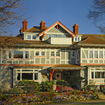 Dashwood Manor Seaside Bed And Breakfast Inn