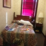 it is double bed room!!!!!!