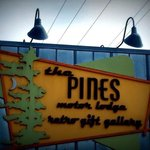 Foto de The Pines Motor Lodge
