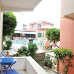 Photo de Alkyon Apartments & Villas Hotel