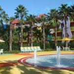 Disney's Pop Century Resort resmi