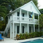 Poolside Cottage - Conch House