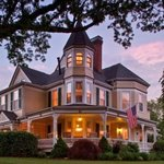 Foto de The Oaks Victorian Inn