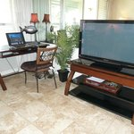 Unit 215 - living room/large flat screen tv