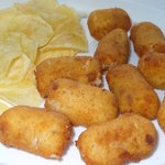 Las inmejorables croquetas caseras de jamon con unas patatas chip memorables