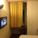 Photo de Comfort Hotel Davout Nation