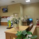 Photo de Days Inn & Suites - Niagara Falls / Buffalo