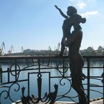 Sailor`s Wife Monument