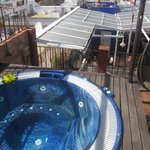 The jacuzzi and roof terrace