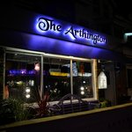 The Arthington resmi