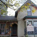 Φωτογραφία: Pansy's Parlor Bed & Breakfast
