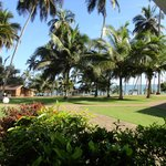 Foto de Coconut Grove Beach Resort