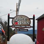 Welcome Sign at Apple Barn