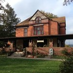 Cumberland Manor Bed & Breakfast