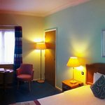 Oxford Witney Four Pillars Hotel resmi