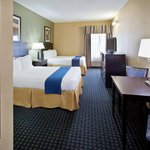 Photo de Holiday Inn Express Benton Harbor