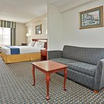 Guest Suite - Holiday Inn Express hotel near Greenville, NC