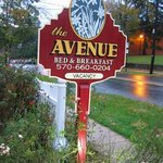 The Avenue B&B Sign