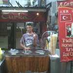Turkish ice cream di dekat hotel ( RM.5 ) - yuummm..