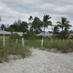 Foto de Castaways Beach and Bay Cottages