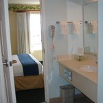 Foto de Holiday Inn Express Hotel and Suites Orlando-Lake Buena Vista East