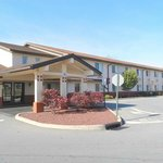 SUPER 8 MOTEL - MIDDLETOWN