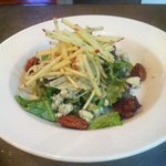 Seasonal sala with local greens, fennel, apple, blue cheese, candied pecan and apple vinagrete d