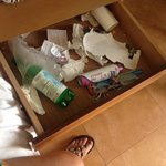 Rubbish still in drawer from previous guests !!!!