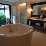 Фотография InterContinental Samui Baan Taling Ngam Resort