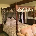 Smugglers Room with four poster