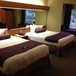 GuestHouse Inn & Suites Elmaの写真