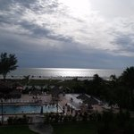 Фотография Howard Johnson Resort Hotel - St. Pete Beach