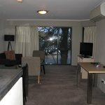 Foto de Adina Apartment Hotel Canberra, James Court