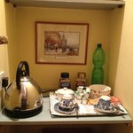 Tea/coffee area in room