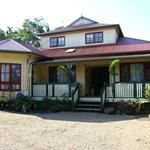 Amber Lodge Bed and Breakfast resmi