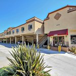 Econo Lodge Inn and Suites Fallbrook