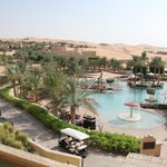 Photo de Qasr Al Sarab Desert Resort by Anantara