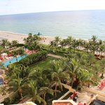 Acqualina Resort & Spa on the Beach resmi