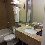 Howard Johnson Inn & Suites - Reseda Foto
